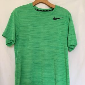 NIKE MENS DRI FIT SIZE SMALL
